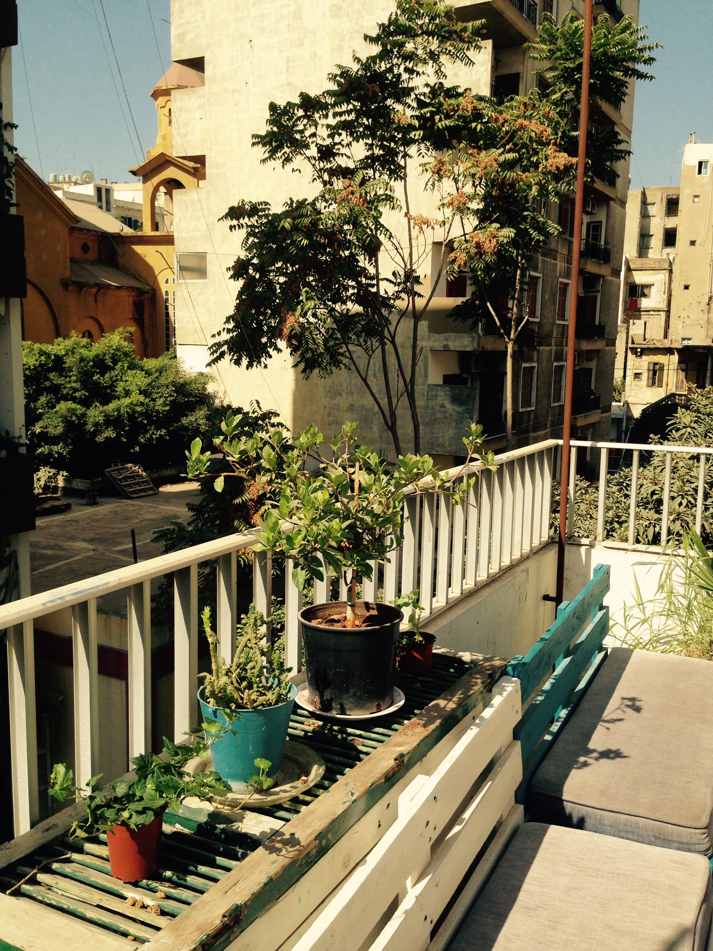Hostel beirut lebanon 39 s first official hostel for Terrace beirut